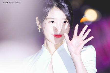 [2018.10.13] 아이유 아시아 태평양 스타 어워즈 레드카펫