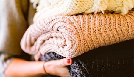 '따뜻함 한 겹, 포근함 두 겹' 겨울옷 소재의 특징과 관리법