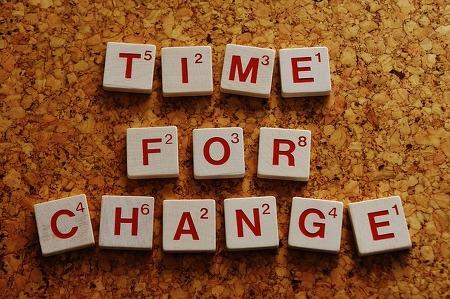 변화를 실천하지 않으면 오히려 '거꾸로' 변화한다