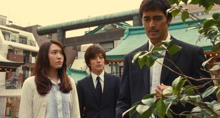 극장판 신참자 《기린의 날개》 - 아베 히로시, 아라가키 유이, 미조바타 준페이