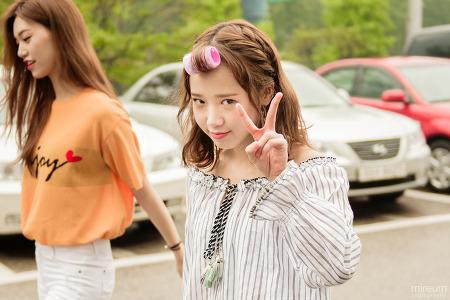 [17.07.23] 유정 도연 안녕하세요 출근 (19pic) by 미름