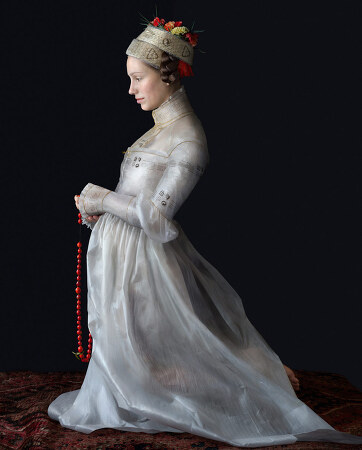 플라스틱을 이용한 르네상스 의상을 만든 예술가 Suzanne Jongmans