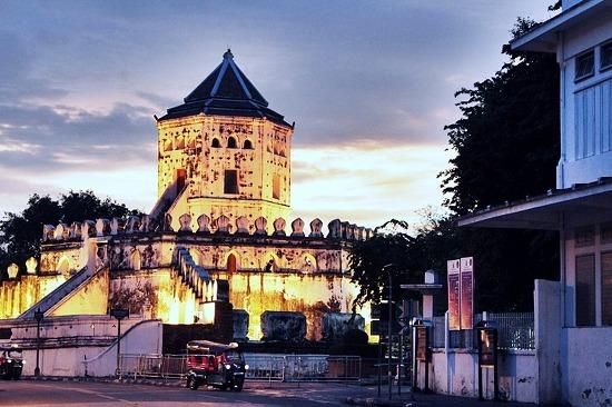 파 쑤멘 요새 Phra Sumen Fort