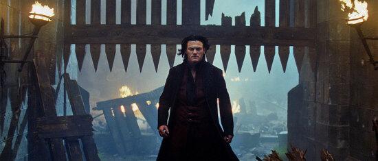 드라큘라 : 전설의 시작 (2014)  Dracula Untold 루크 에반스 , 도미닉 쿠퍼 , 사라 가돈 , 찰스 댄스
