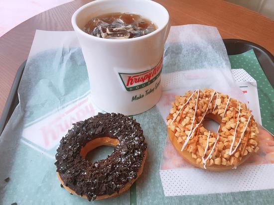 요즘 빠져있는 크리스피 크림 도넛 with 아메리카노
