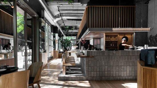 *캐나다 몬트리올의 고급주택지역에 위치한 술집-[ RYÙ Westmount ] A Montréal Sushi Bar of Tactile Beauty