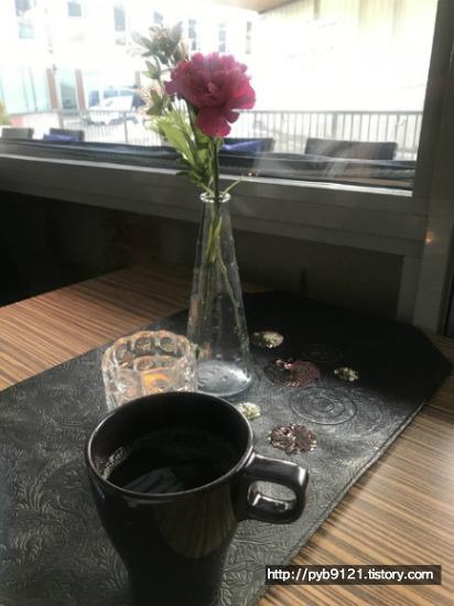 노르웨이 카페 Pikene på hjørnet in Lillestrøm