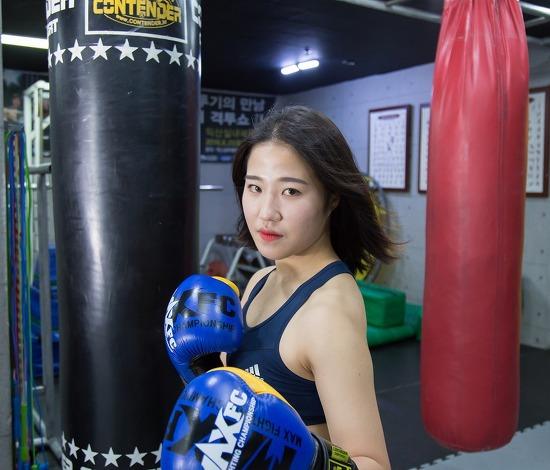 "MAX FC15 챔피언 도전자 '똑순이' 박성희, ""세대교체 시점 왔다"""