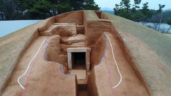 무왕릉(쌍릉)에서 발견된 무덤길…무왕 생전에 조성한 무덤일까
