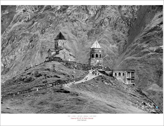 사진 한 장으로 오게 된 곳 카즈베기 게르게티 츠민다 사메바 교회