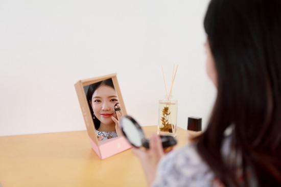 [대전제품사진] 반전되지 않는 진짜 나의 모습, 리얼미 거울 촬영