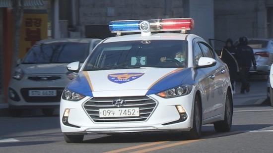 (서대문) 경찰차의 사이렌과 조명에도 차이가 있습니다.