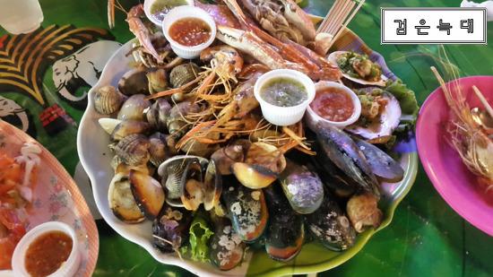 <태국여행기#14> 파타야 해변 저렴하고 푸짐하게 먹는 해산물 '제이번 씨푸드(J'BUN SEAFOOD)'