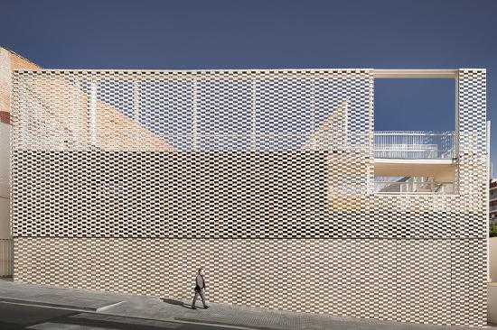 [ Vicente Sarrablo + Jaume Colom + Roviras - Castelao Arquitectos ] The Kindergarten Virolai Petit