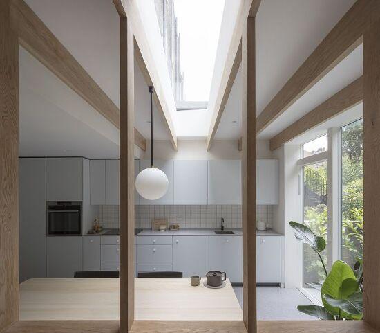 *복층 주택으로 개조된 영국 런던의 미니멀하우스-[ Architecture for London ] North London House