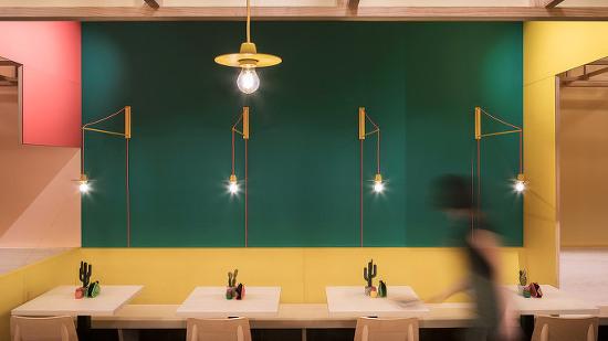 *타코 레스토랑, 멕시코 전통 컬러 Erbalunga Estudio creates restaurant interior inspired by its Mexican menu
