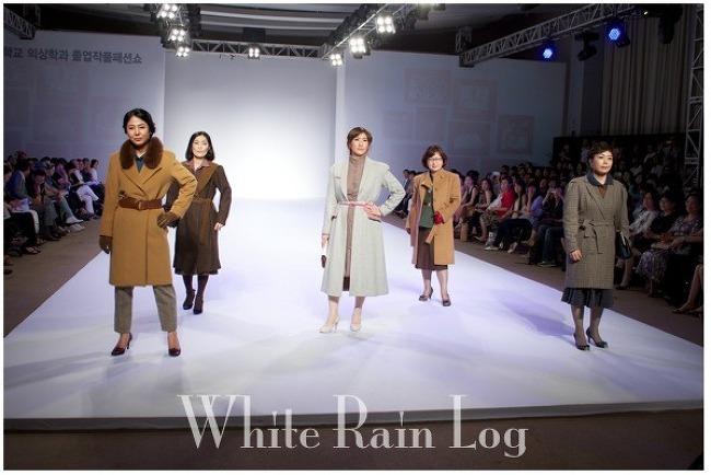 마음 뭉클해지게 한 패션쇼 어머니 모델들(201..