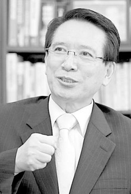 [내일신문] 술탄과 황제, 빙의하길 바랐던 국회의장