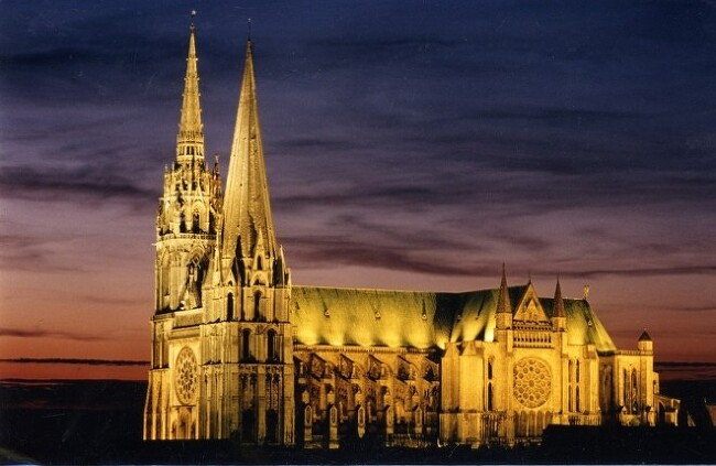 귀족과 종교의 대립, 샤르트르 대성당 (Chartre..