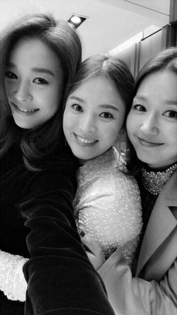 이진 여신께서 송혜교씨 결혼식때 한국 오셨었네요