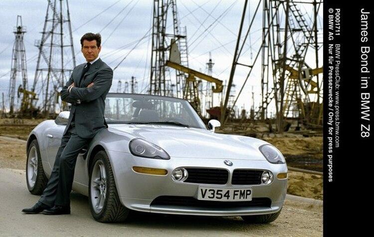 영화속 자동차: 007 언리미티드 BMW Z8