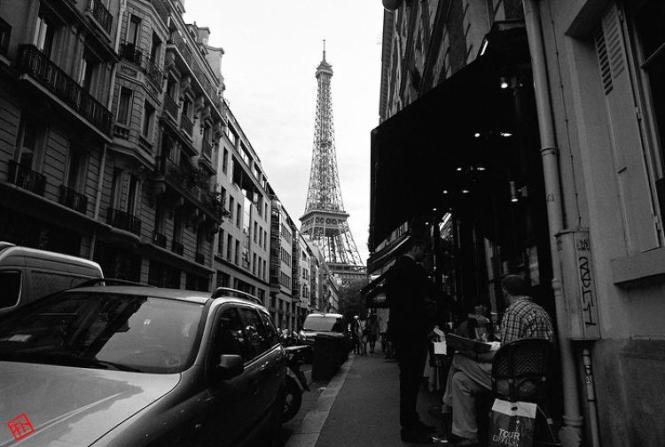 파리의 거리와 레스토랑 / 미놀타 X-300 흑백필름
