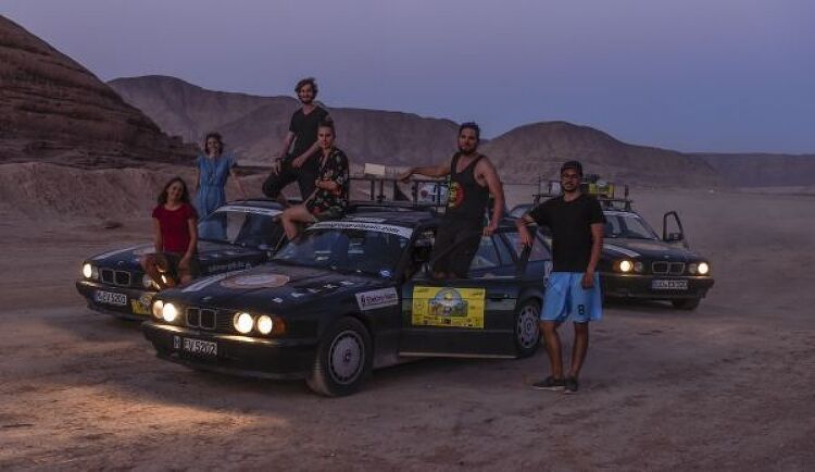 Off into the desert – Three BMW 5 Series T..
