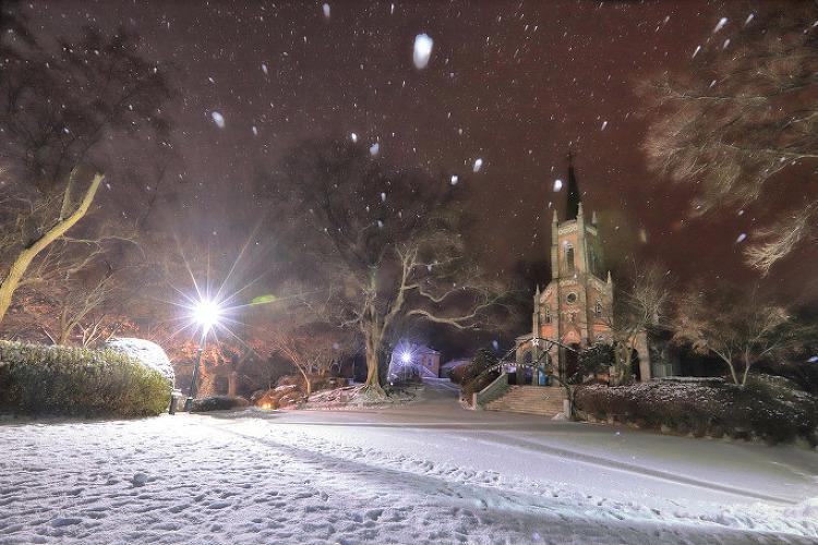 공세리 성당, 눈내리는 새벽