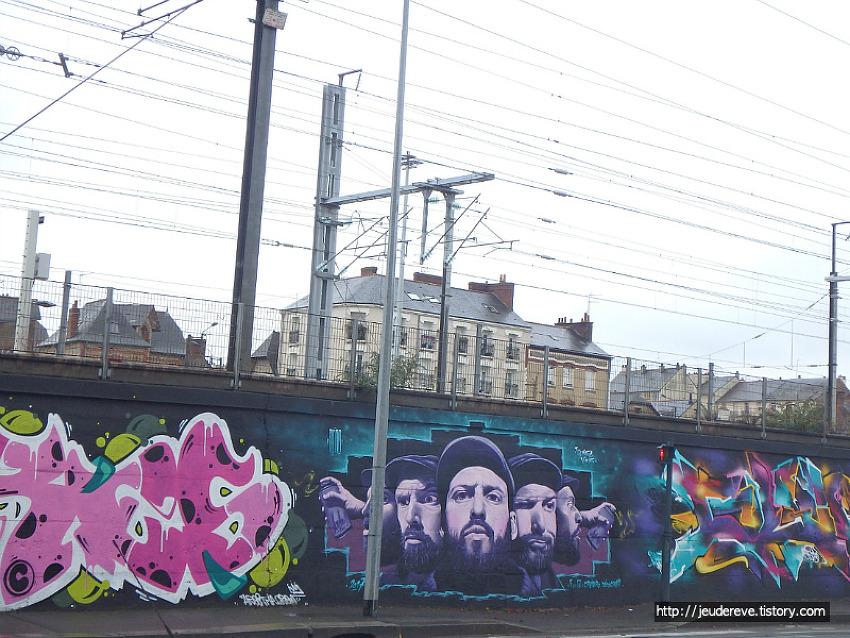 거리미술 그라피티(Grafitti), 프랑스 렌(Rennes)의 철길을 따라