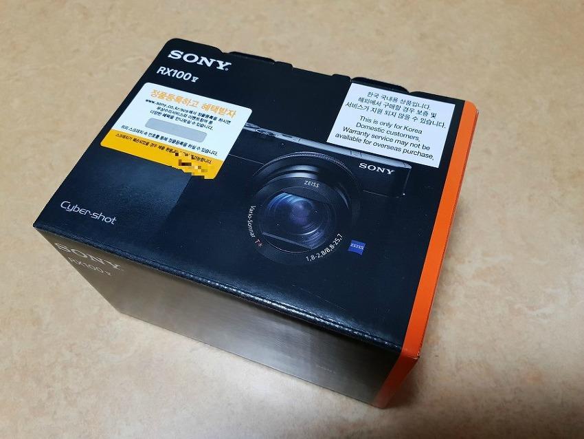 소니 RX100MK5A 구매하였습니다.