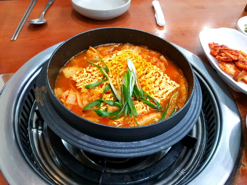 둔산동 우두령 정부대전청사 김치찌개맛집
