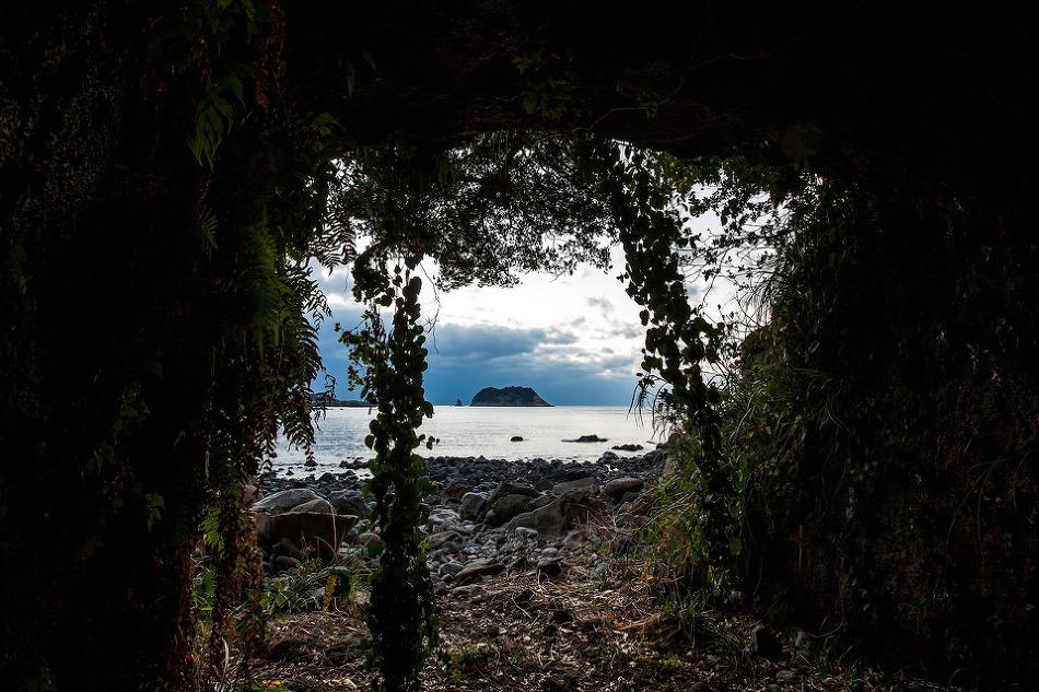 황우지해변 동굴에서